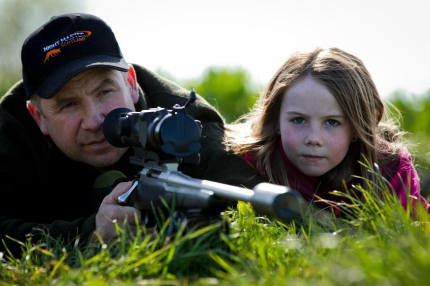 Vater Jäger mit seiner Tochter