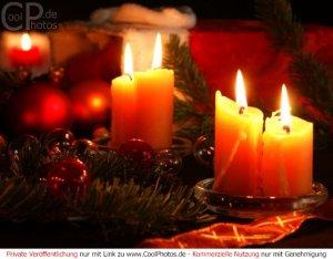 weihnachtsbild mit kerzen