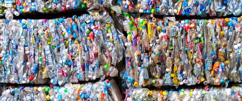 Plastik-im-Meer-Kunststoffschrott-1500x630