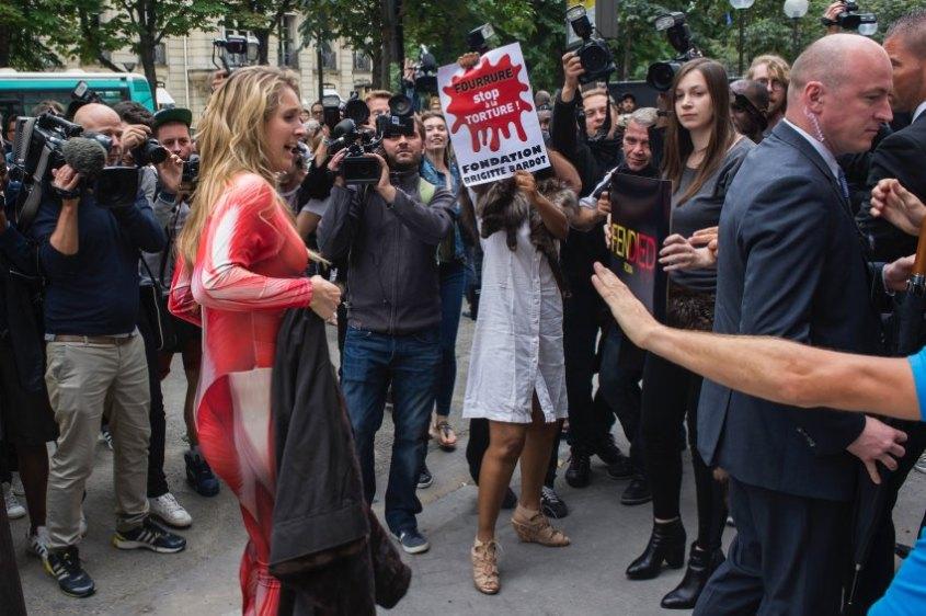 France Fendi Protest
