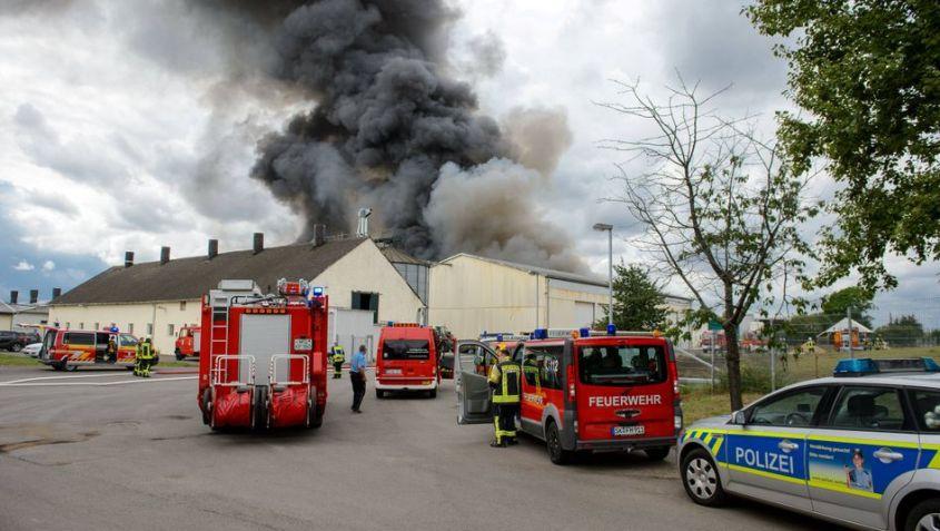 Großbrand der (SMA) Woestmann KG Schweinemastanlage Teutschenthal (Saalekreis) Teutschenthal // 16.07.2020 // Foto: Hol